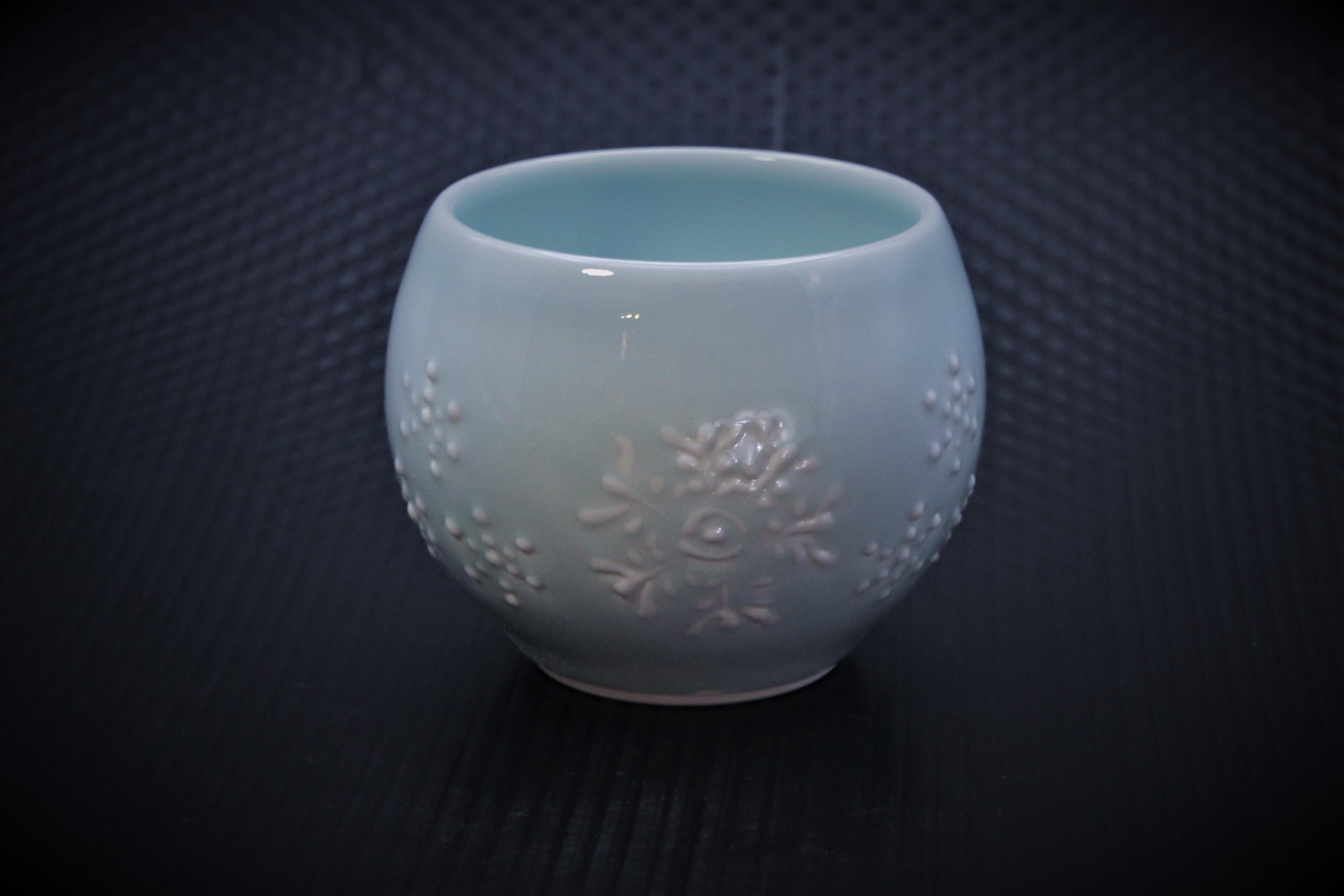 青磁雪紋丸々カップ