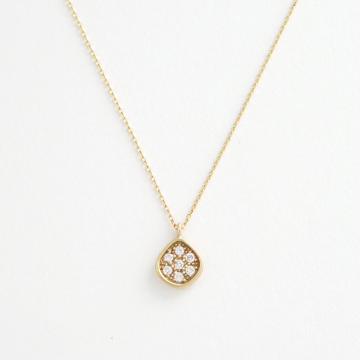 The Heritage drop necklace