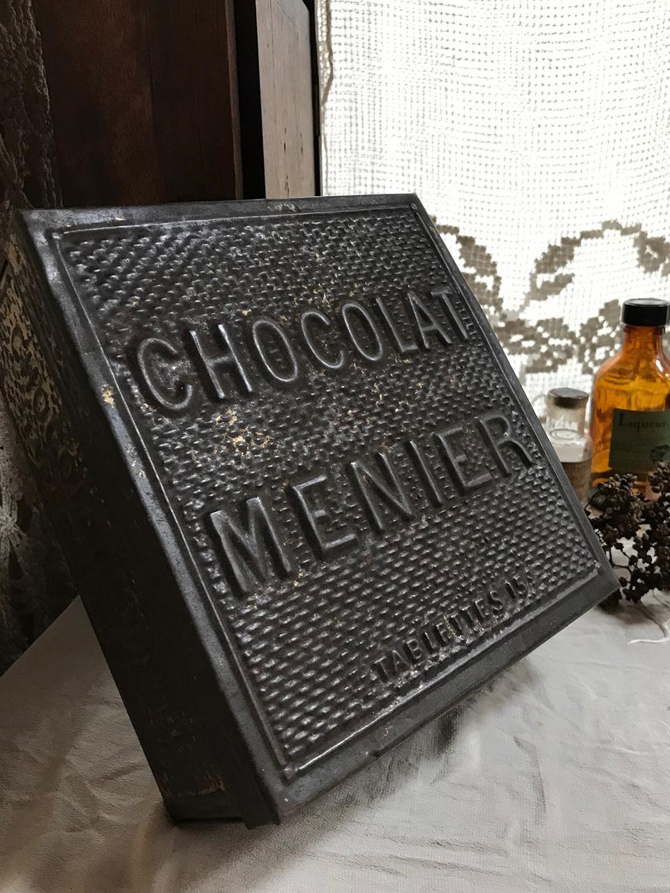 ショコラムニエのTIN缶 CHOCOLAT MENIER