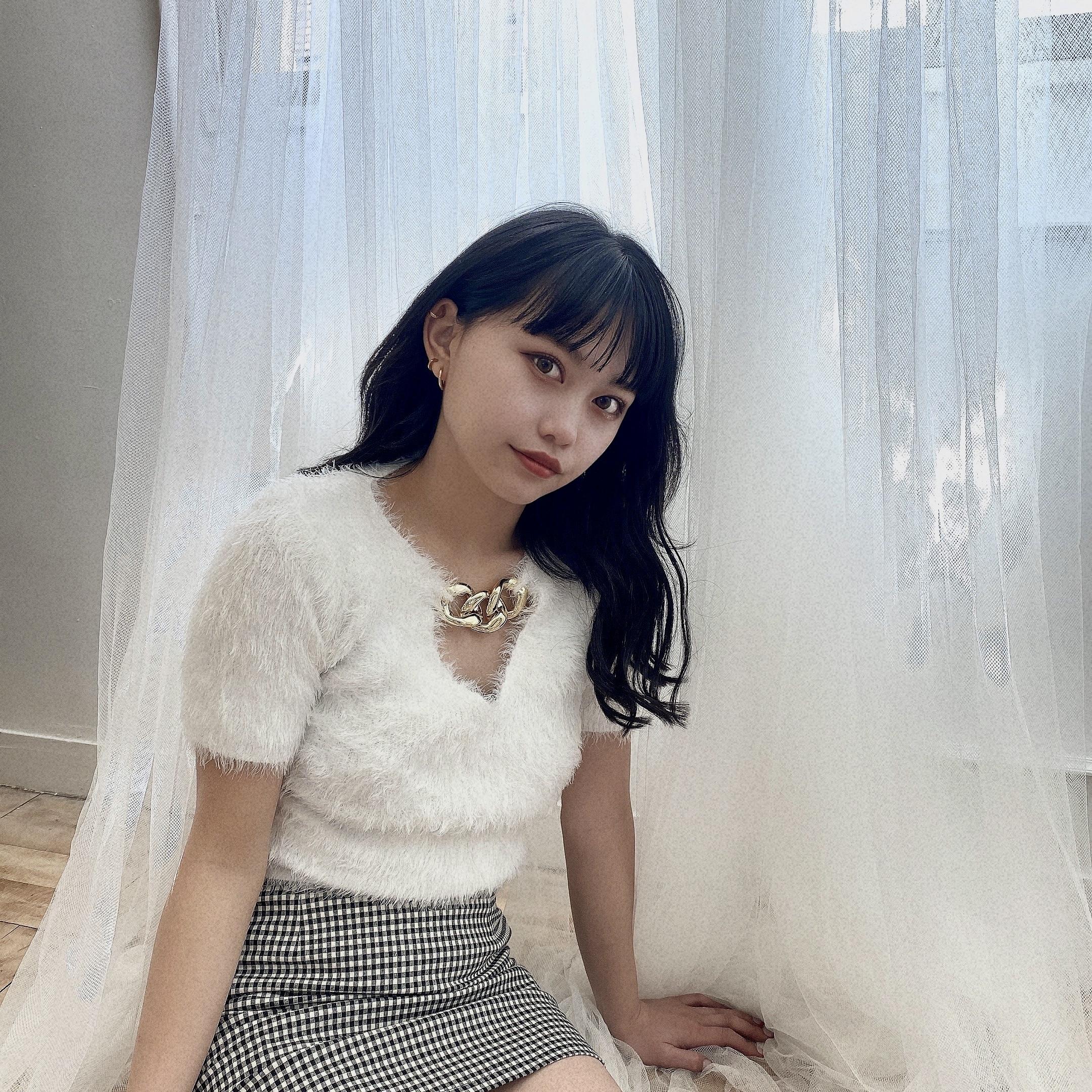 【Belle】LAST5 Vneck chain tops / white