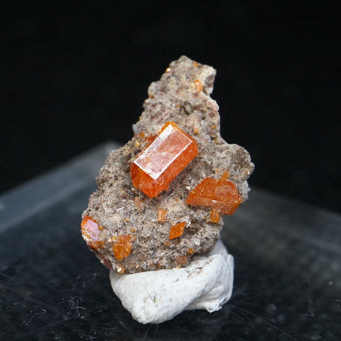 自主採掘!ルースケース入り小 モリブデン鉛鉱  ウェルフェナイト Wulfenite WF033 天然石 鉱物 標本 原石