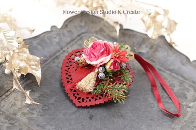 タッセルの付いたハートの薔薇のクリスマスオーナメント クリスマス ハート 薔薇 リボン