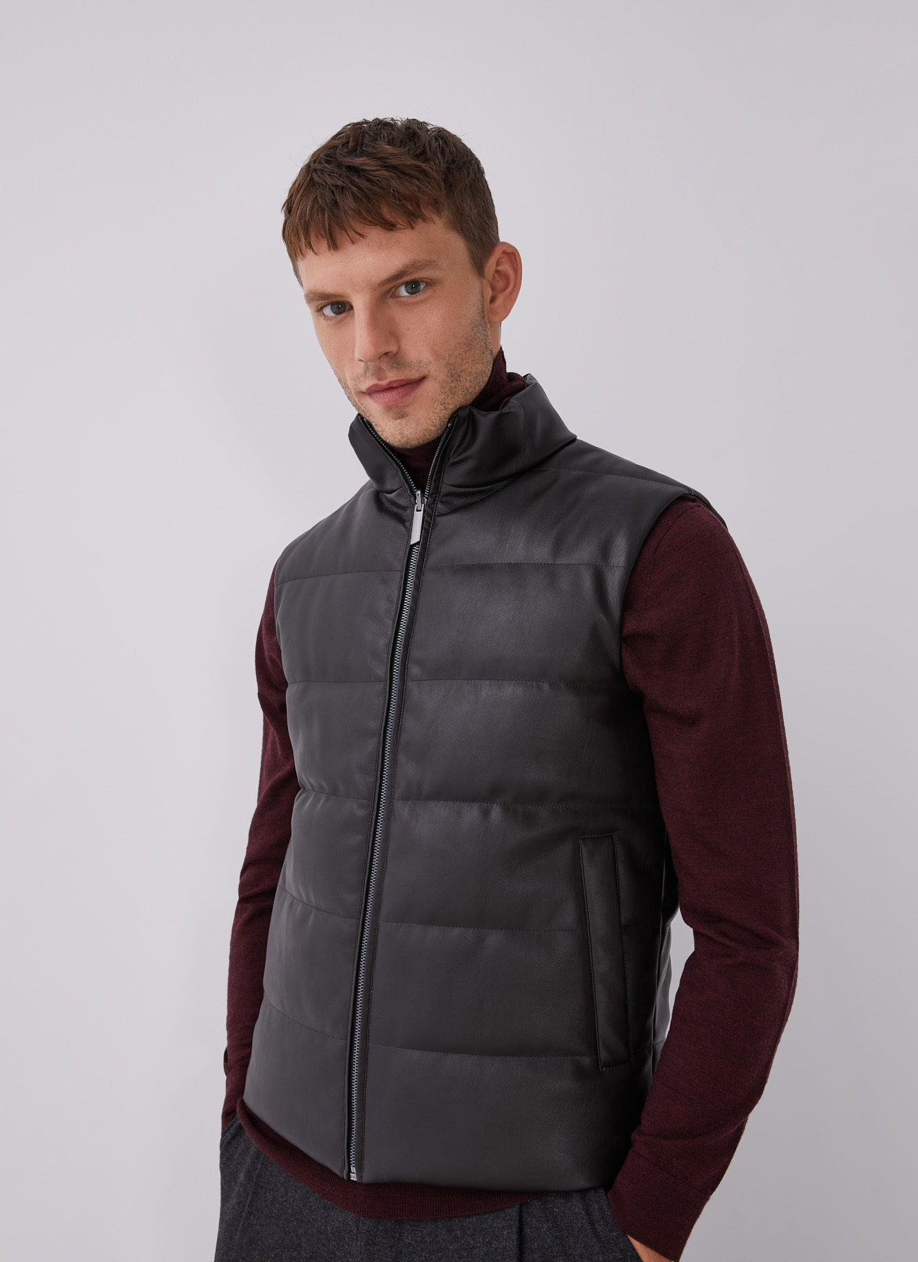REVERSIBLE WAISTCOAT WITH ECO LEATHER