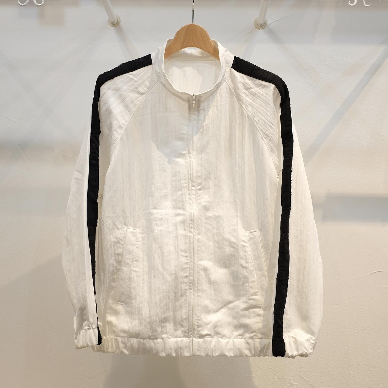 KUON(クオン) アップサイクルトリミング 塩縮ナイロントラックジャケット ホワイト