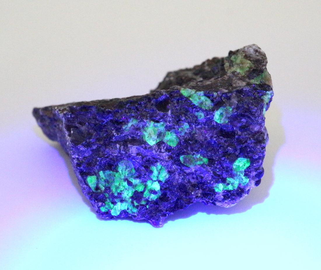 ニュージャージー産 ウィレマイト 珪亜鉛鉱 原石 18,1g WIL004 鉱物 標本 原石 天然石