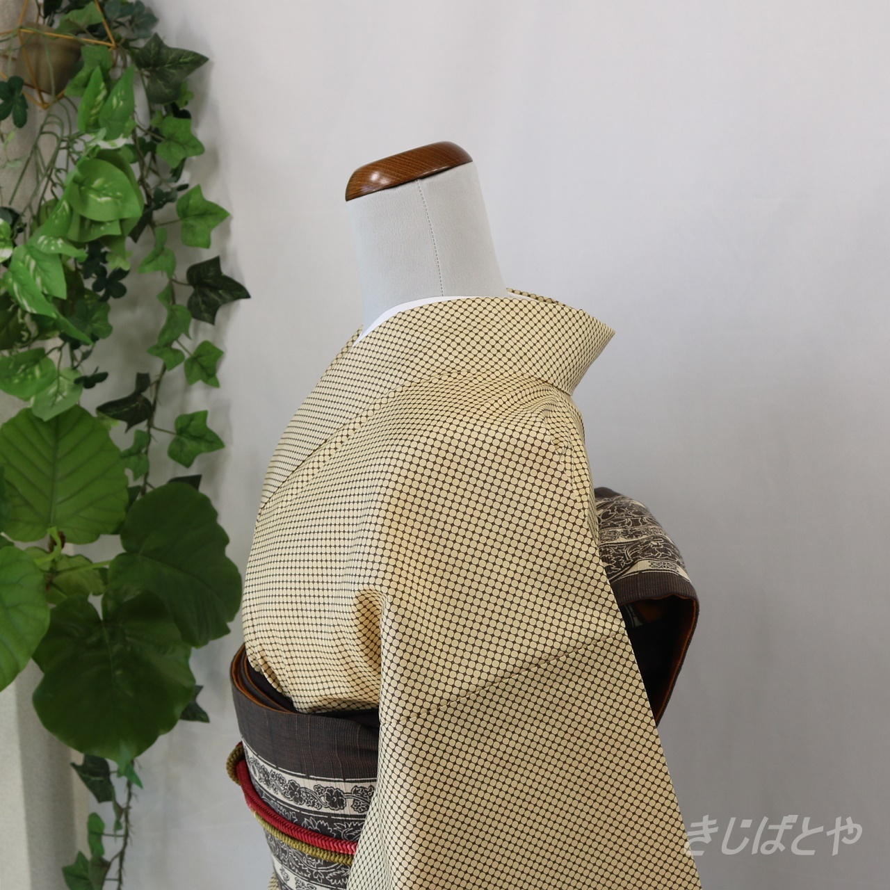 大島紬 麹色に斜め格子 袷