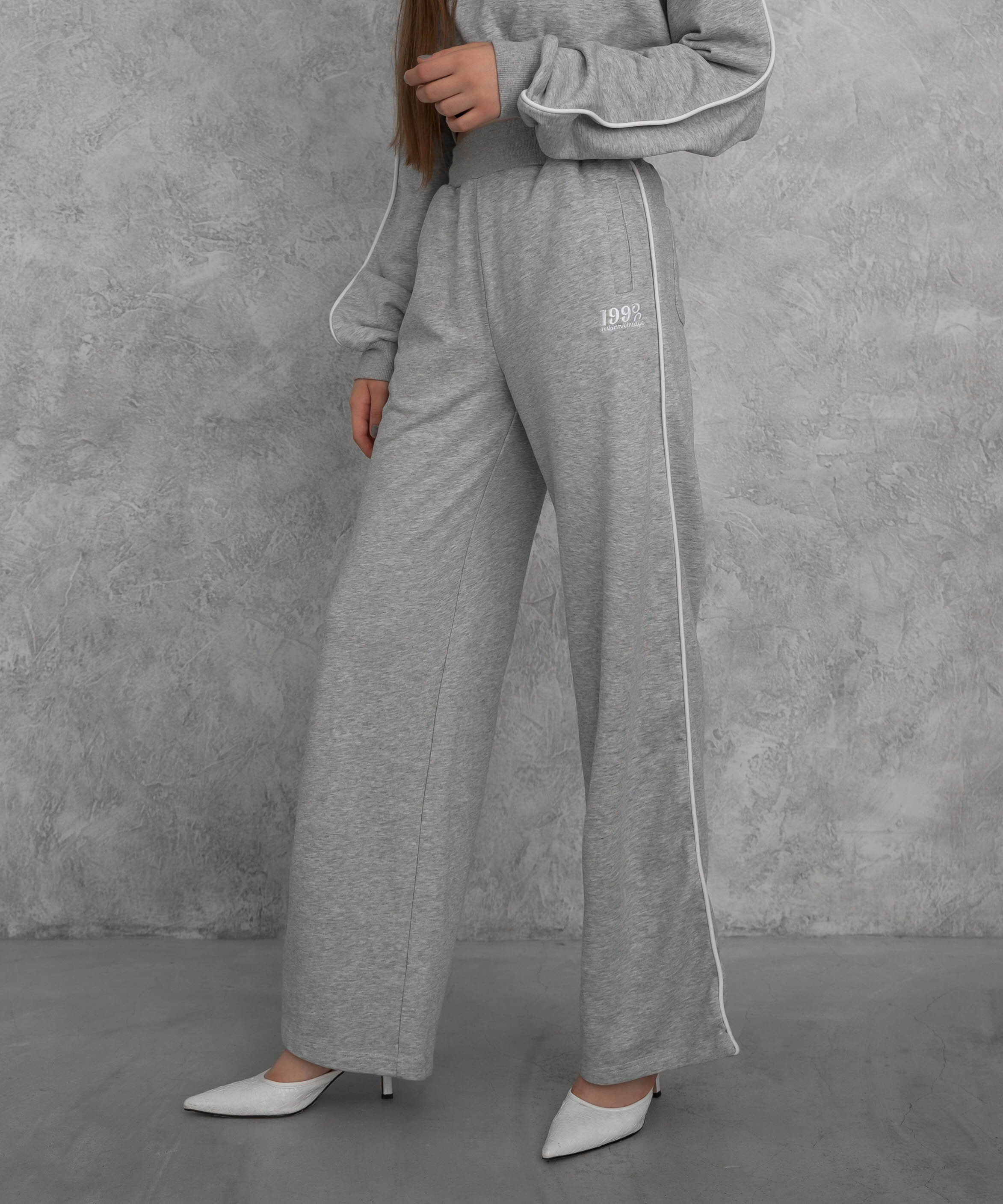 Piping wide sweat pants