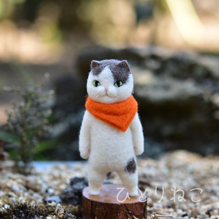【猫さん】こげ茶白バンダナ【一点モノ】