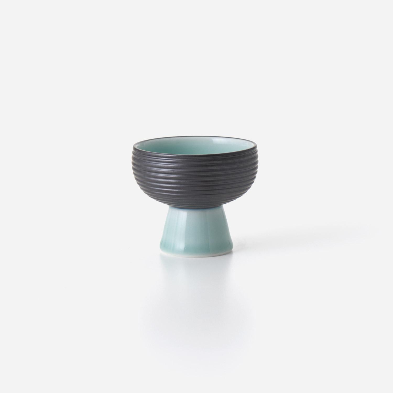 No.138 青磁黒彩 高高台小鉢