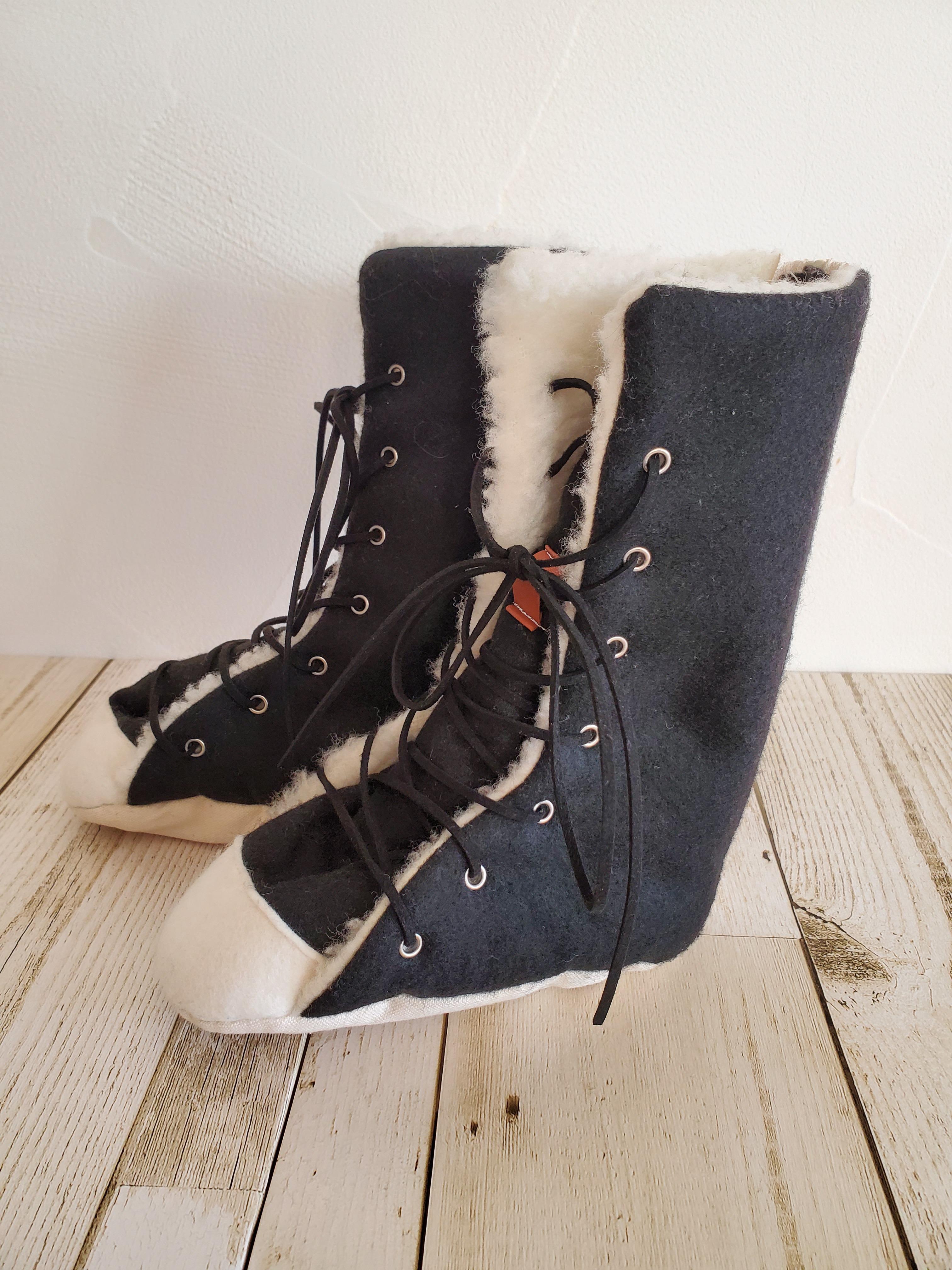 ***在庫あり*** ブーツ 黒×白 16cm