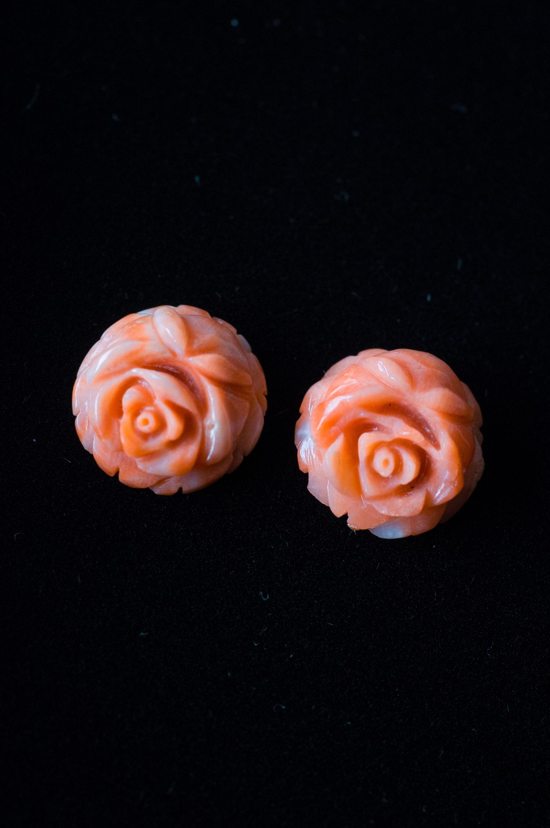 Flower Carving Coral  /pair - 003