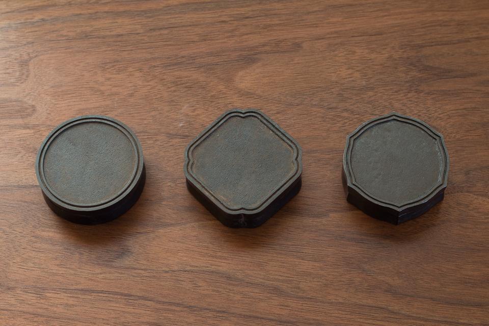 真鍮鋳物の『朱肉入れ』黒ムラ