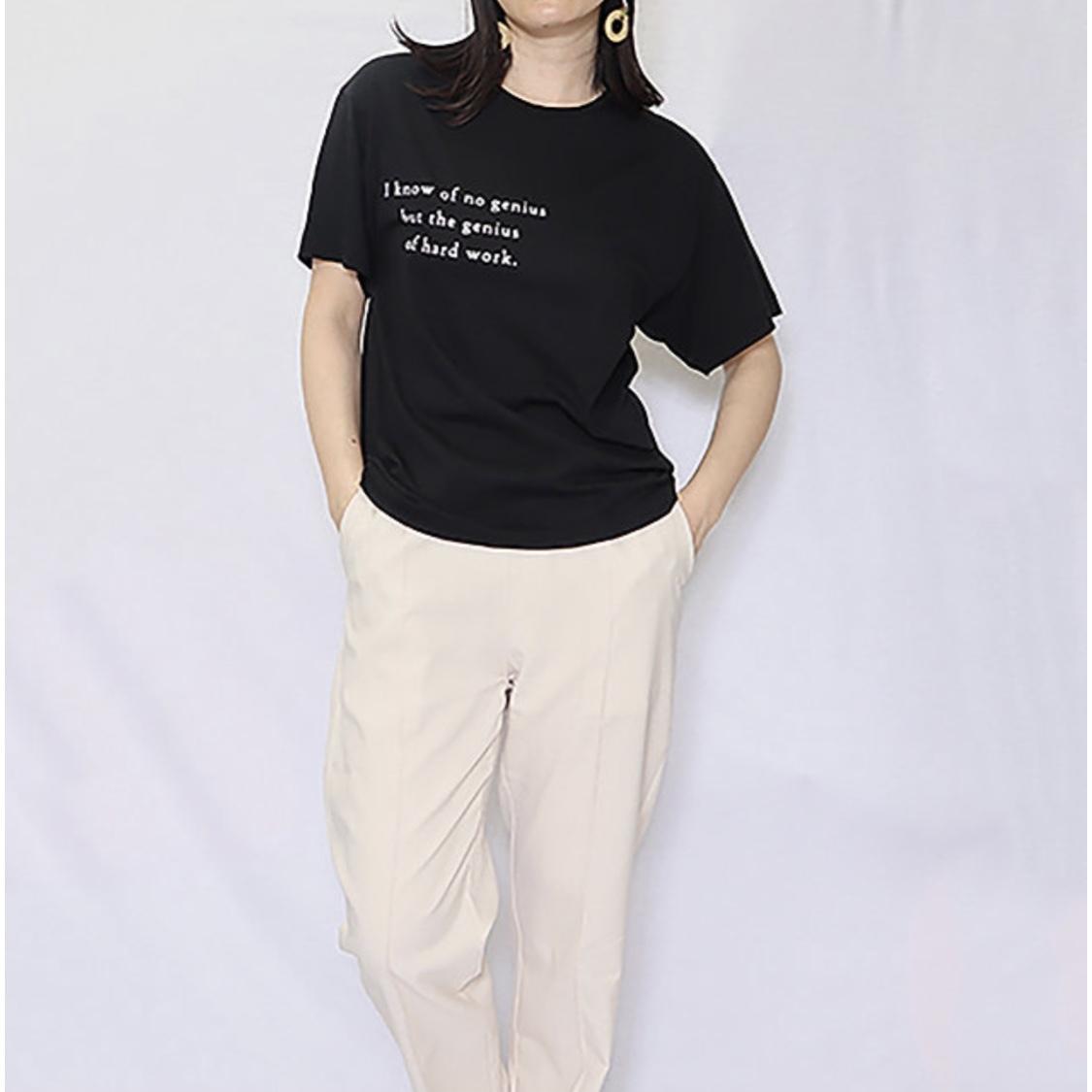 【 LILY  LYNQUE 】- 8007002 - ロゴプリントTシャツ