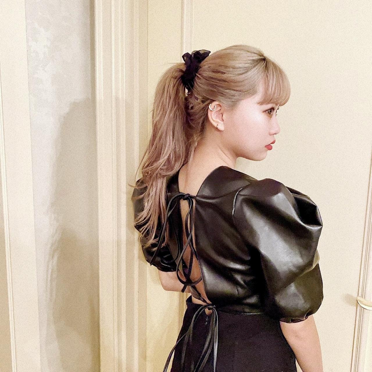 【Belle】back ribbon leather blouse
