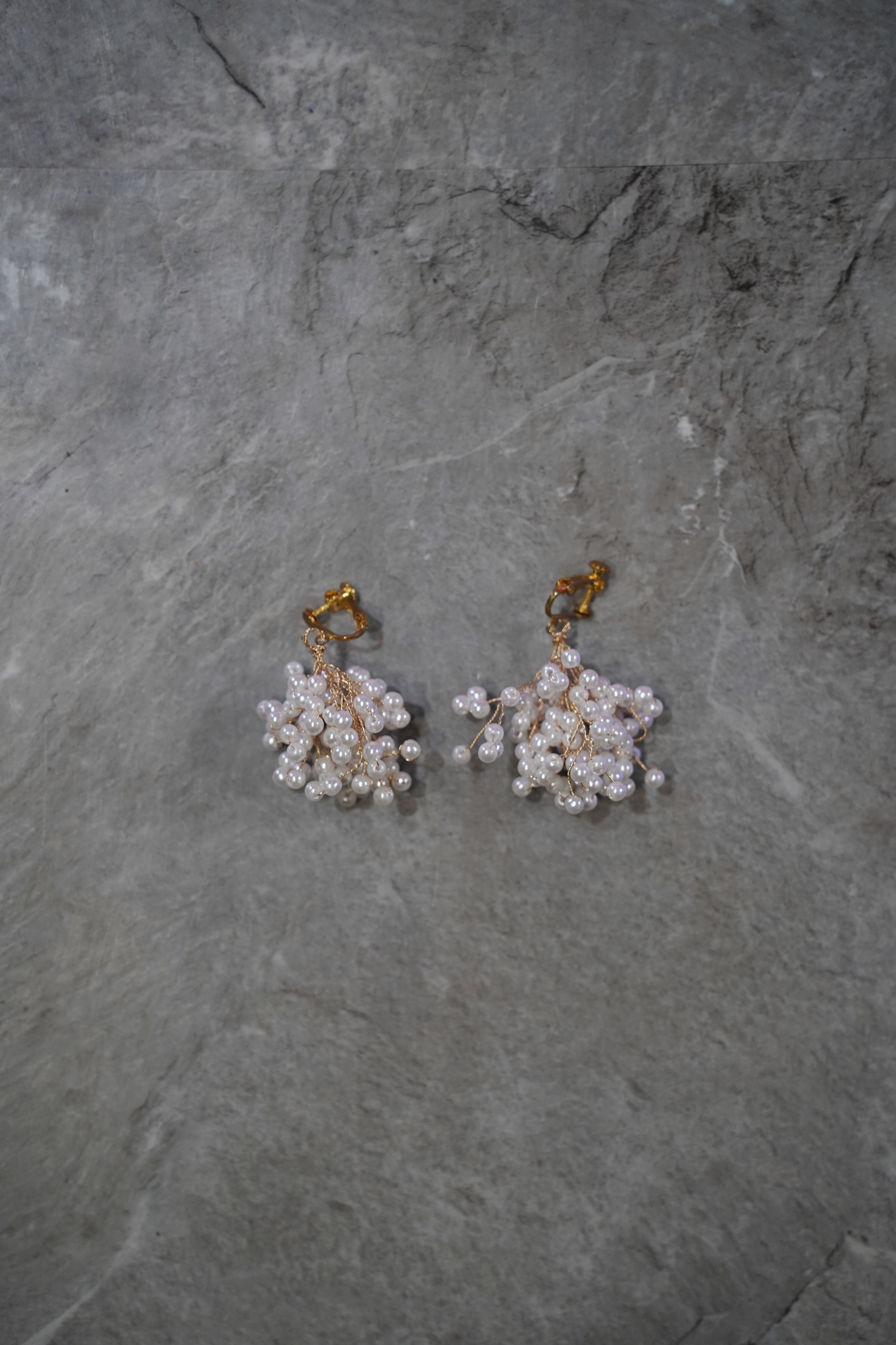addiction   vintage perl earring
