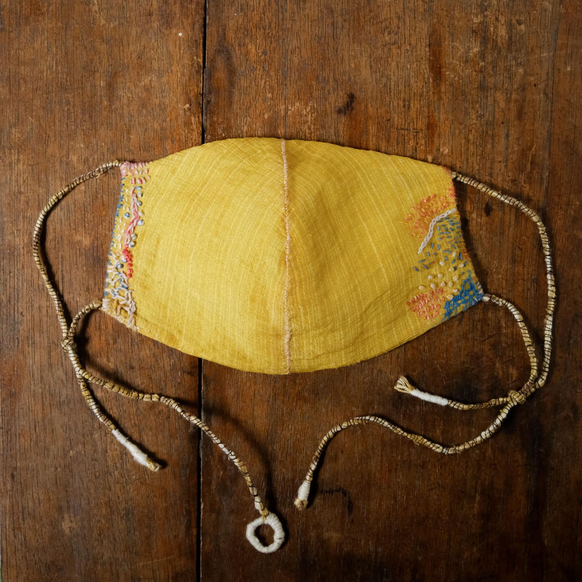 自然の布マスク #33「 joy 」草木染絹と炭染有機木綿