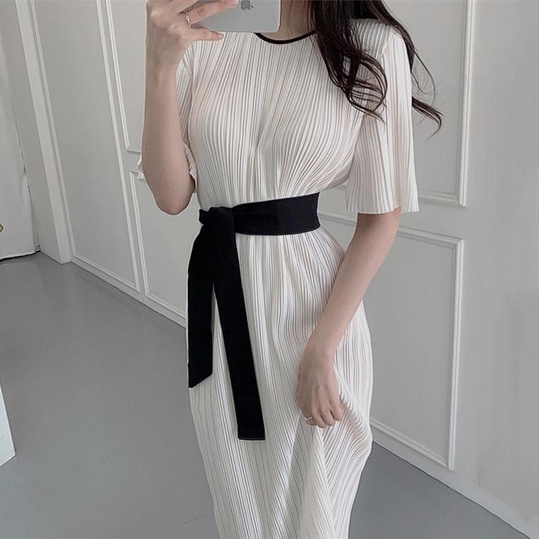 chic monotone dress