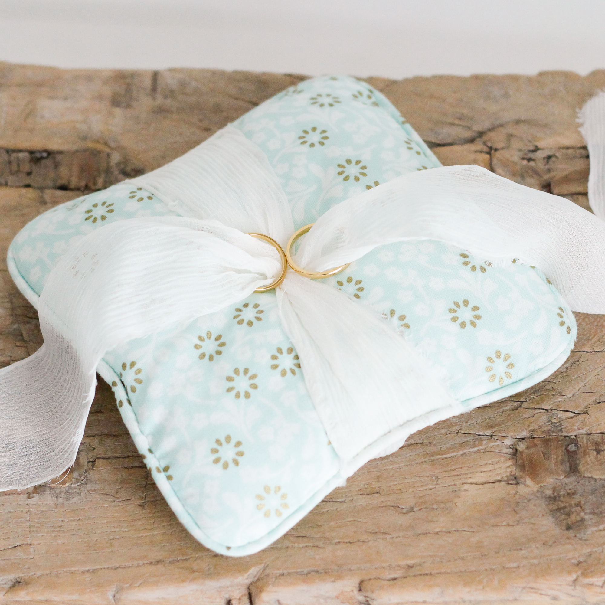 Ring pillow Flower