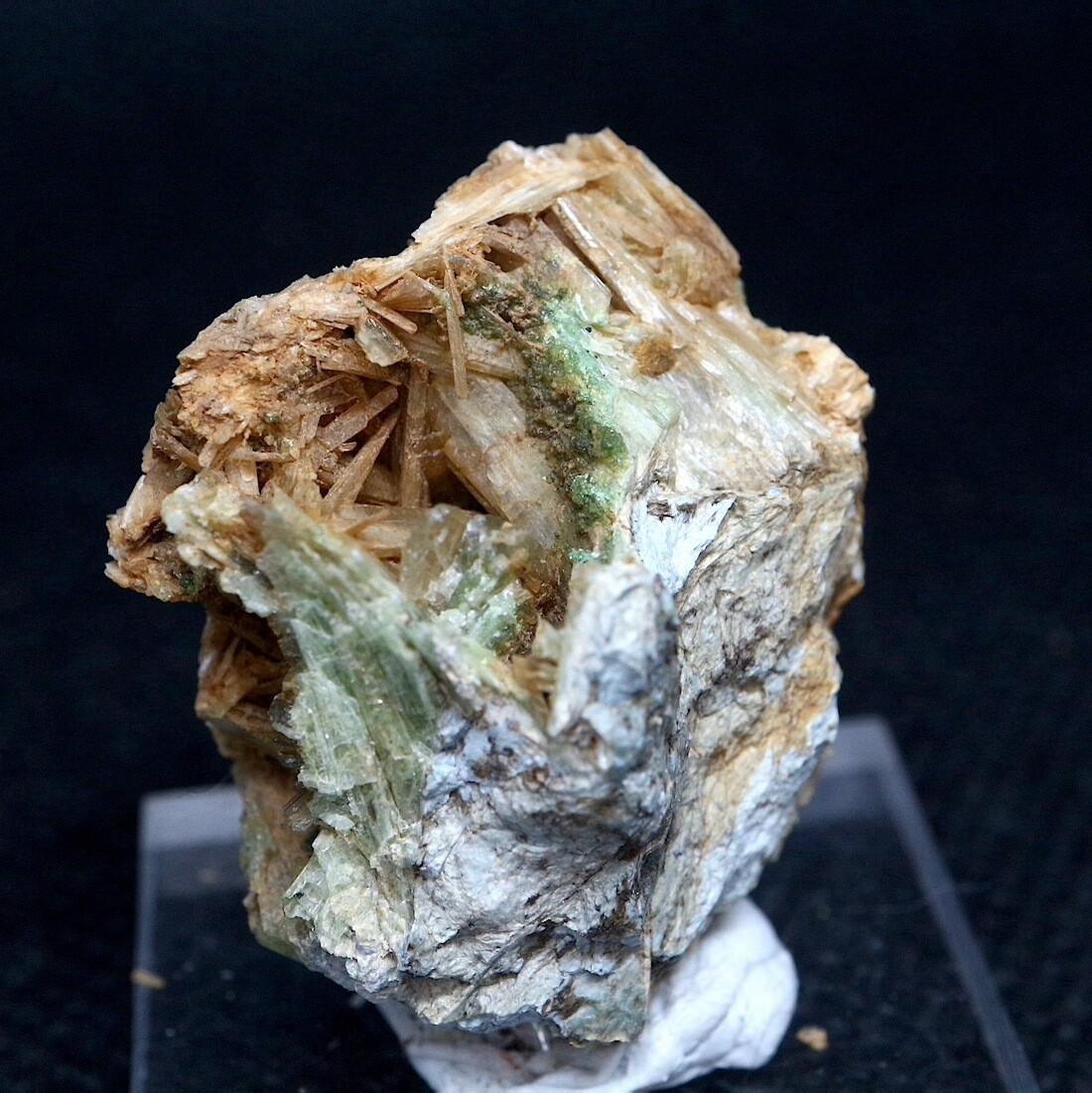 カリフォルニア産 ダイオプサイド + ウバロバイト  10,5g  DPT022 原石 鉱物 天然石 パワーストーン