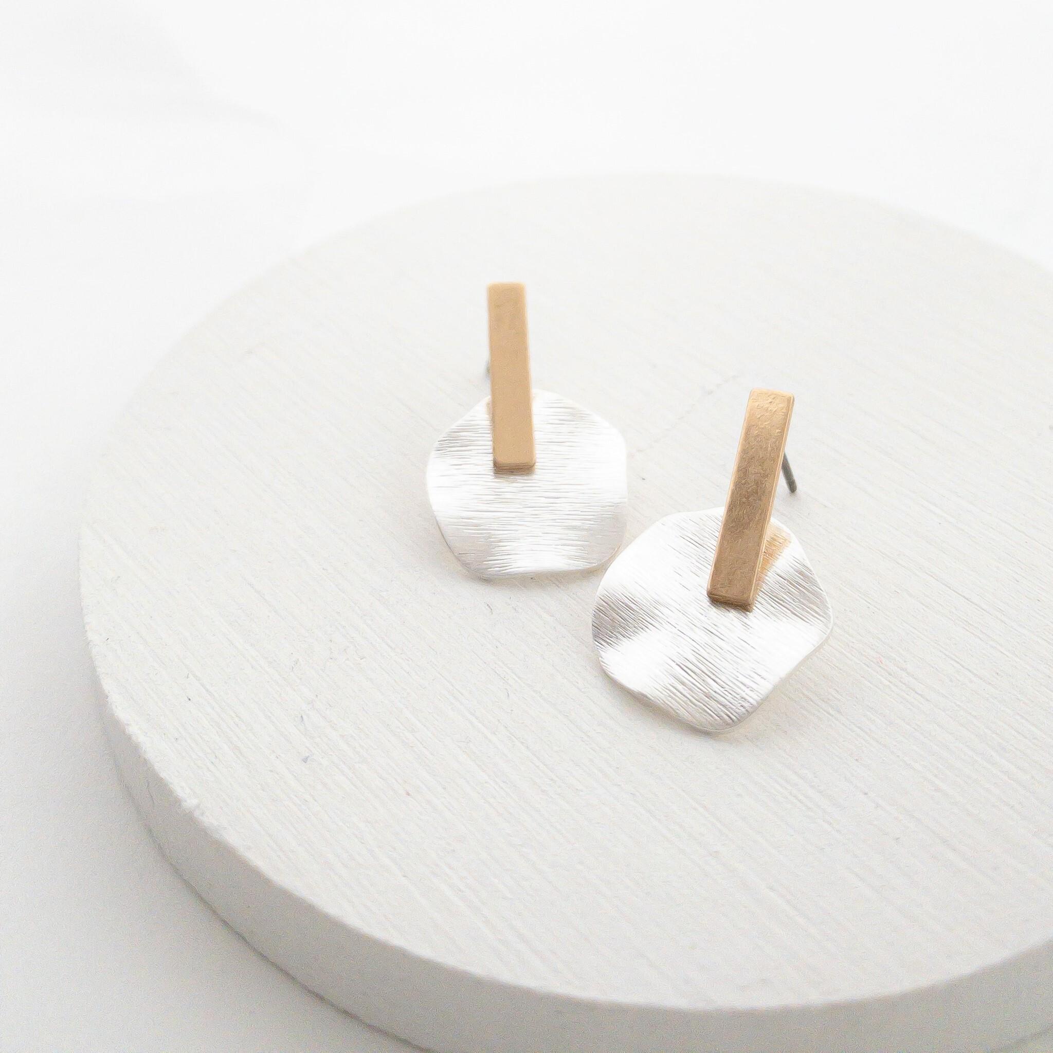 Metal wave plate pierces/resin nohole