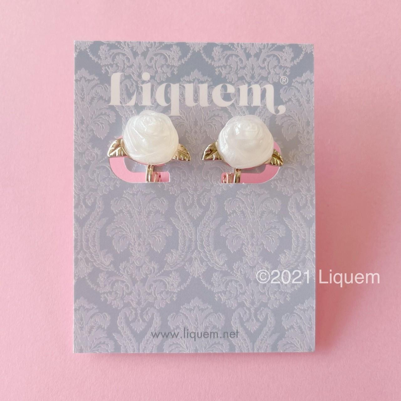 Liquem / プチローズイヤリング(ホワイトローズ)