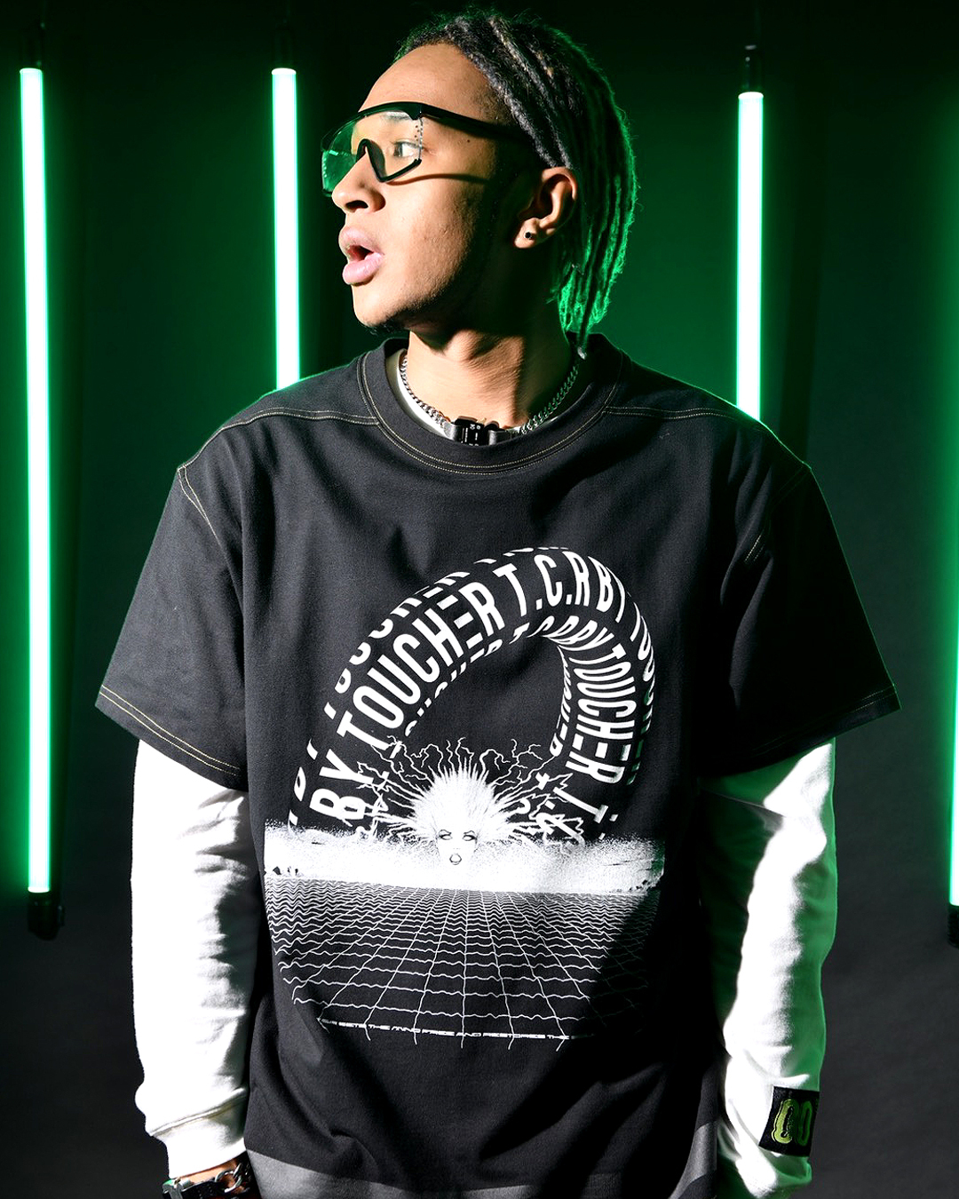 TUNNEL VISION OVERSIZED  S/S TEE - BLACK/YELLOW