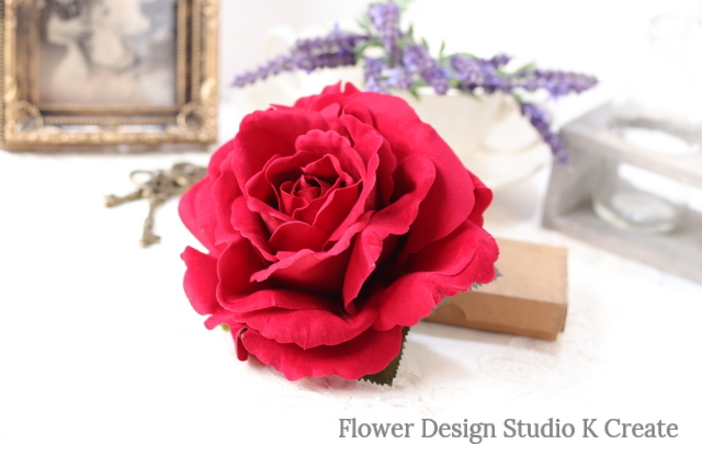 フラメンコ・フローレス・発表会に♡ベロア調の大輪の赤い薔薇のヘアクリップ