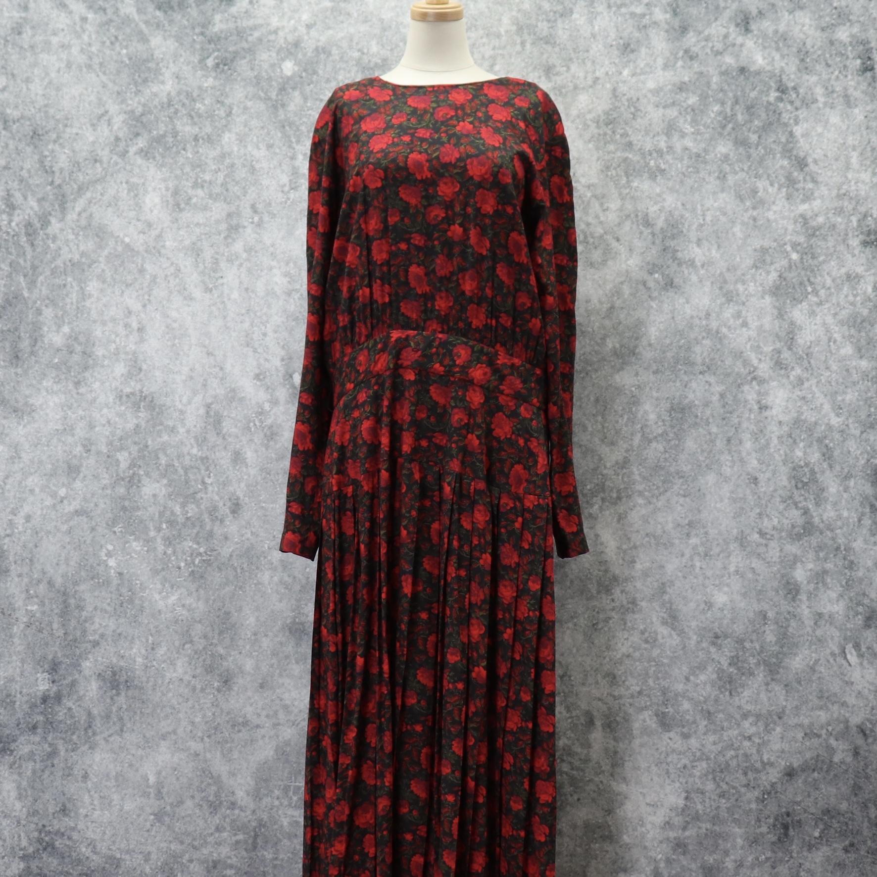 アメリカ 80年代 ヴィンテージ 古着 レーヨン素材 ローズ柄 プリーツ ロング ワンピース USA 80's Vintage Rose Flower Prints Dress