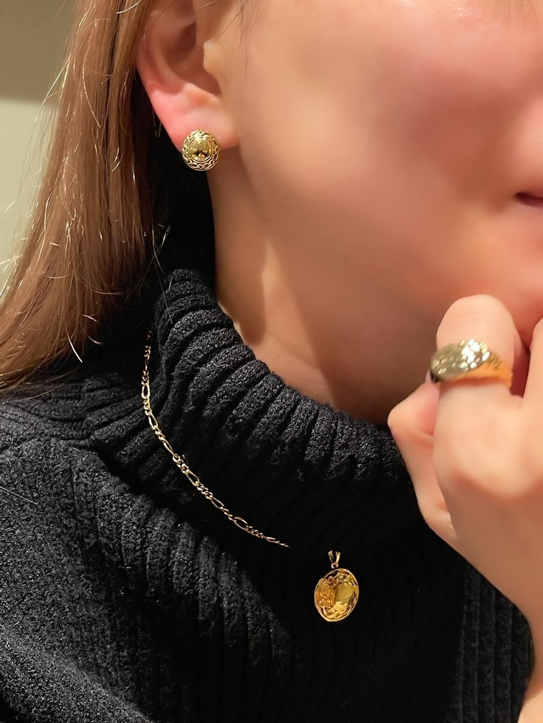 UCE-16G Eternal Circle Clip earrings