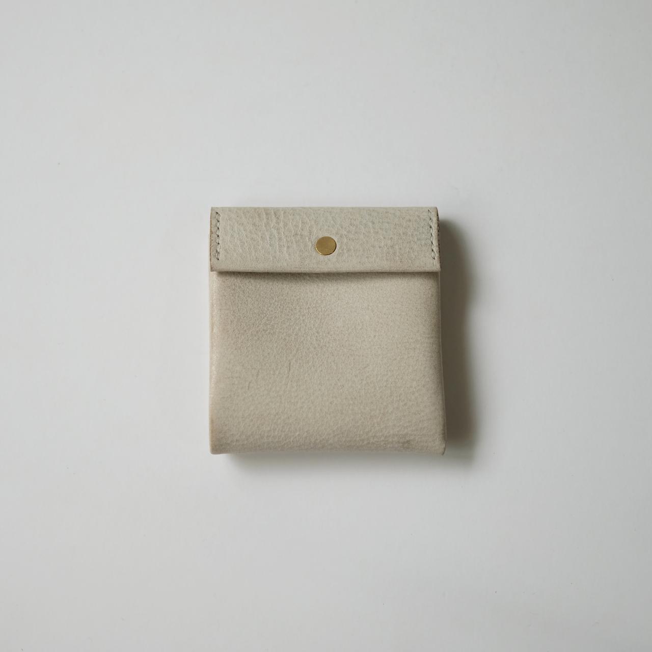 replica wallet - white - ALASKA