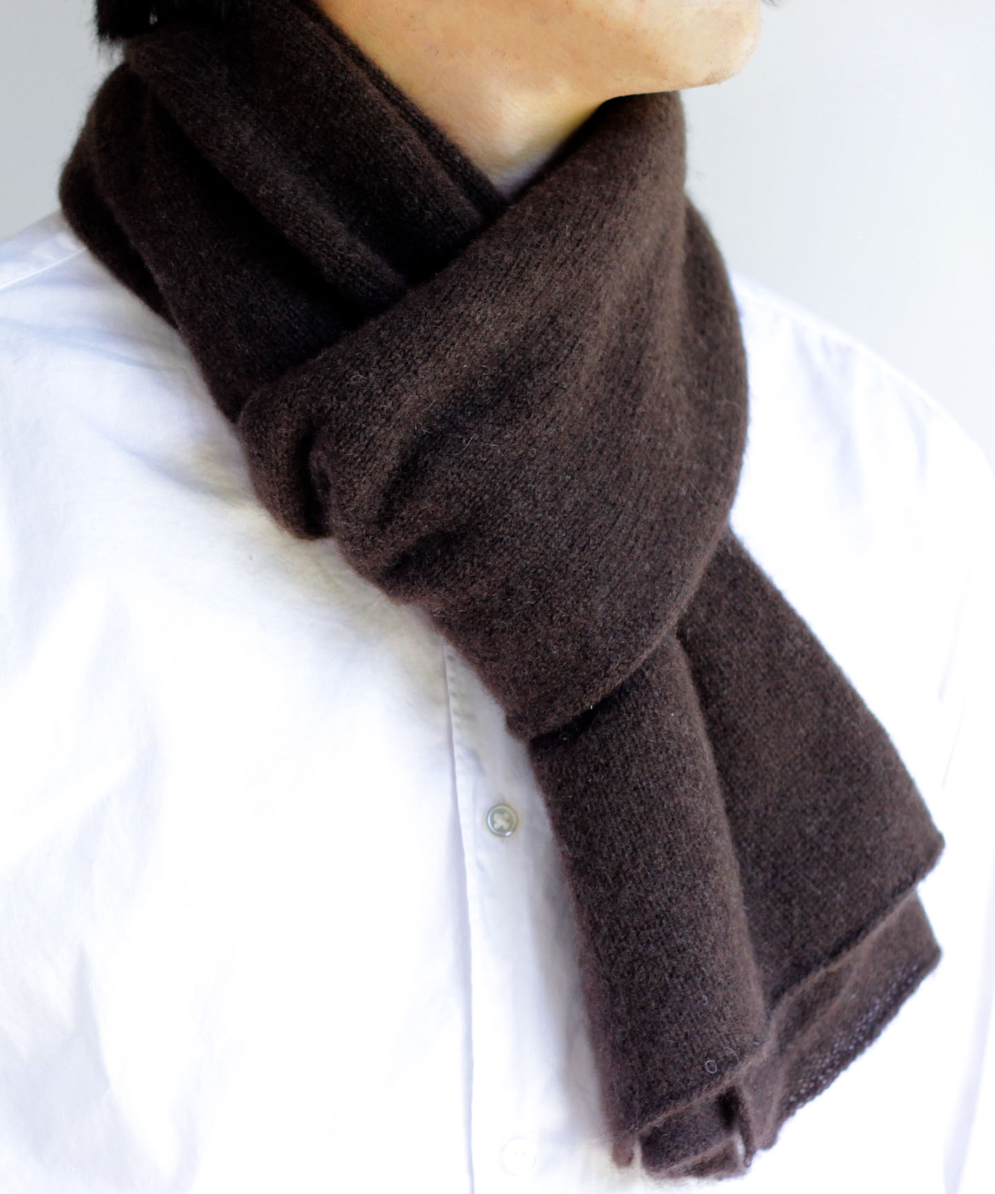 【予約販売】手編み機でヤクの糸を編んだ細巾ストール YAA-043