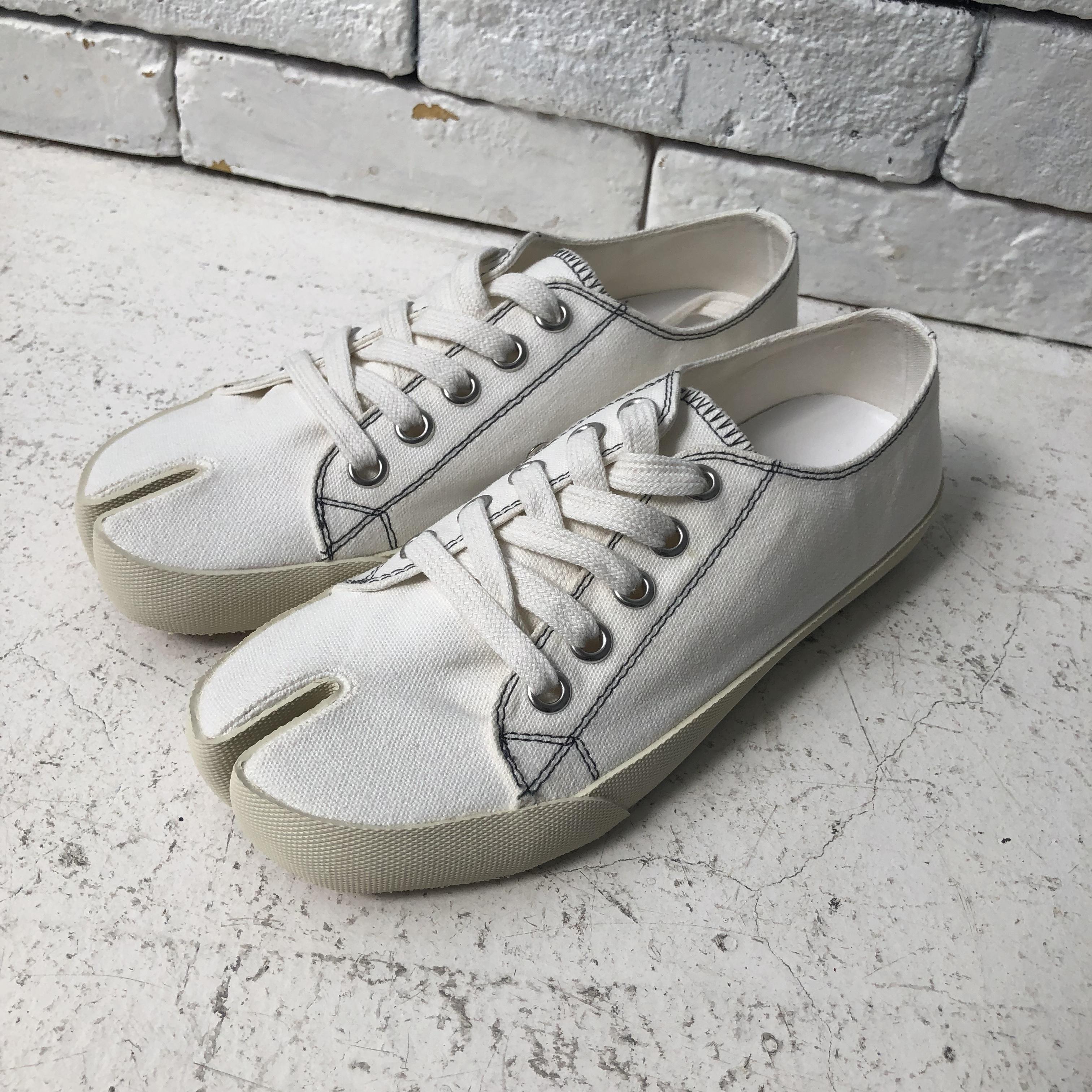 Tabi-shoes