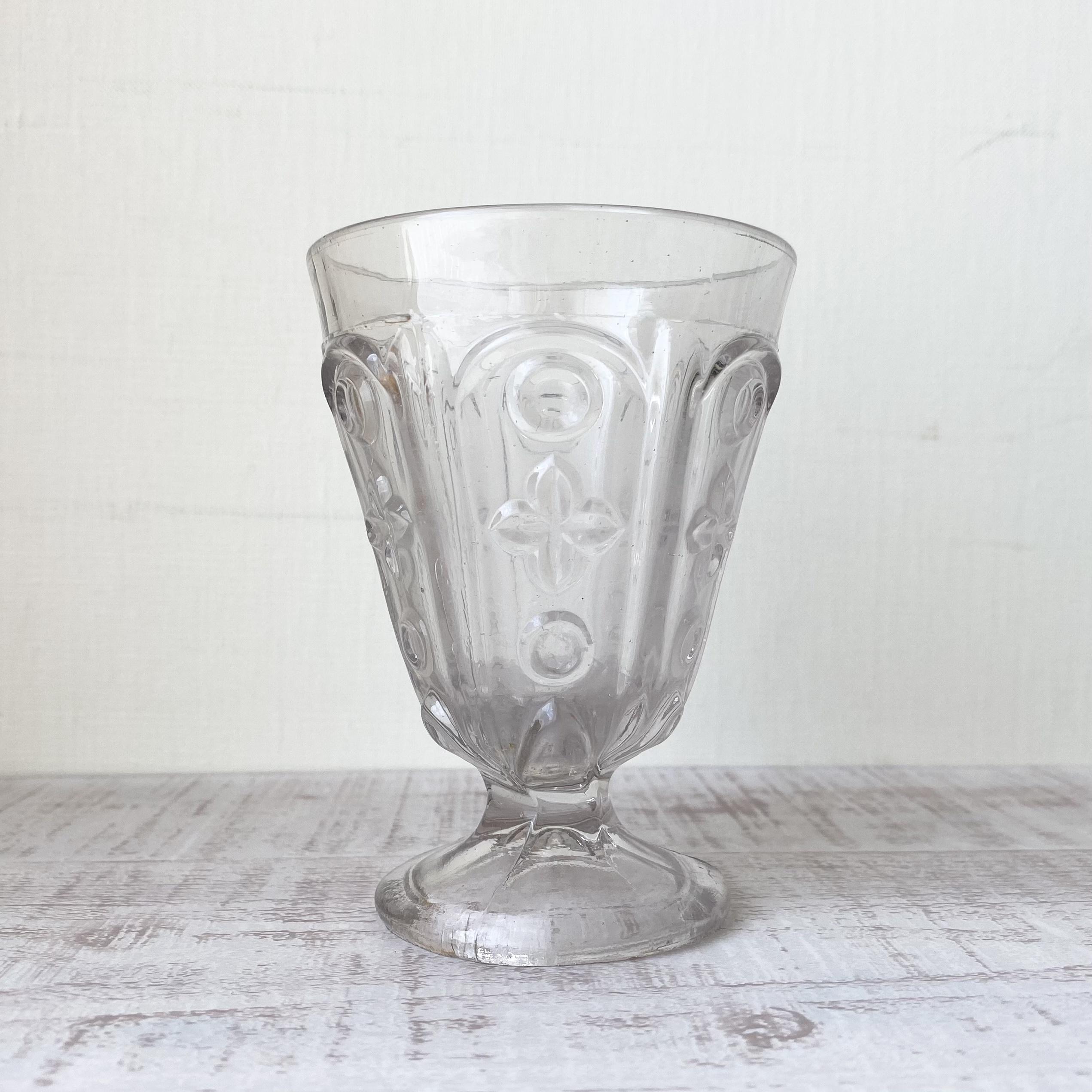 France プレスガラス・ゴブレット a / uv0131