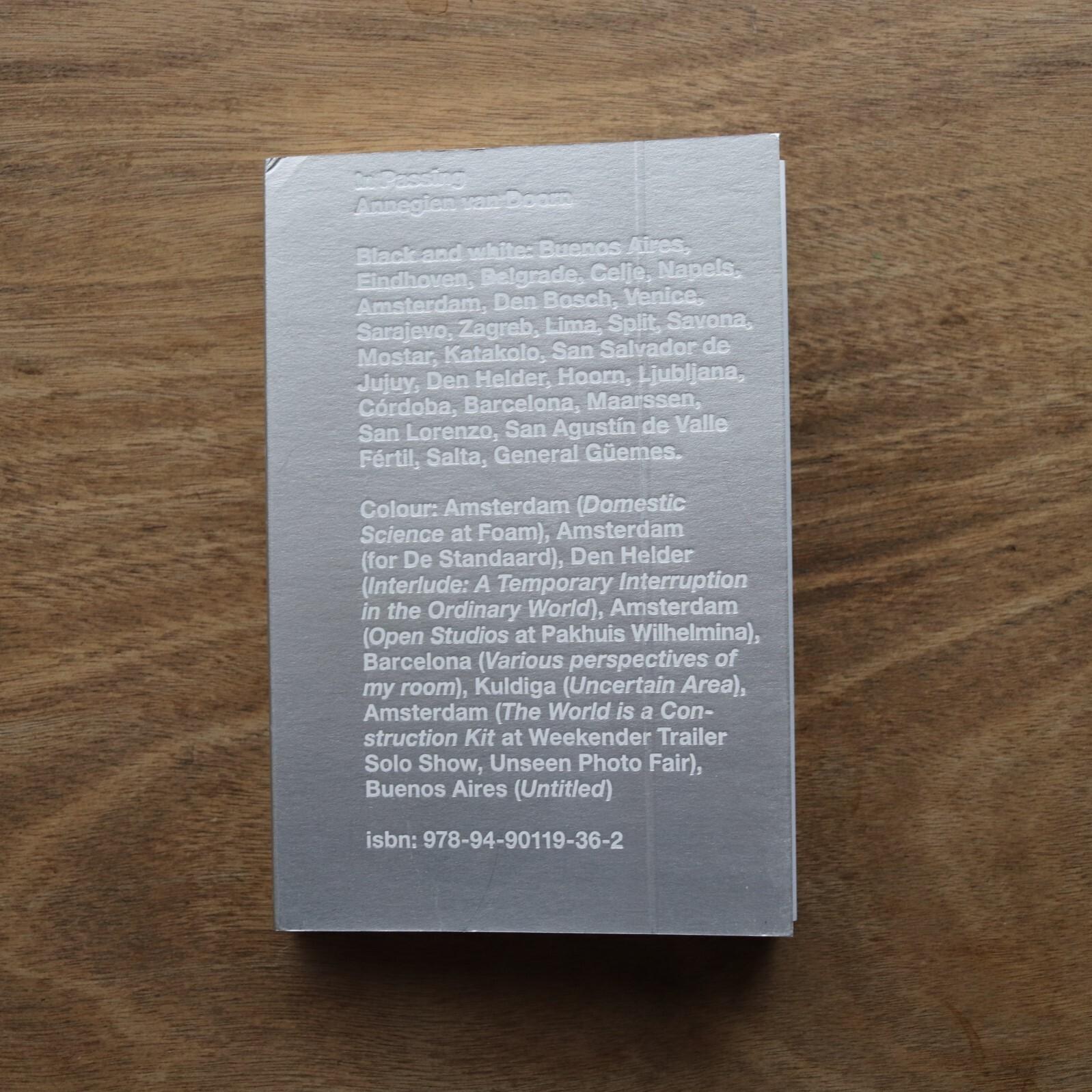 In Passing: Book / Annegien van Doorn