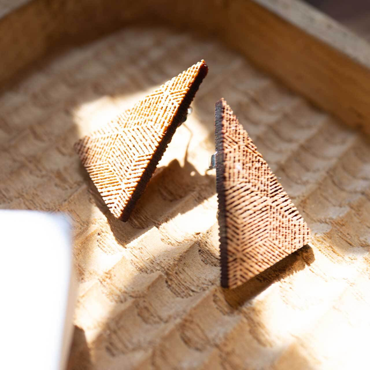 right triangle / 直角三角形(Pierced Little)