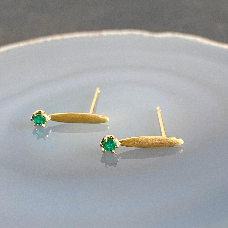 K18 Stick  Earrings - Emerald /18金製 スティックピアス・エメラルド(ペア)
