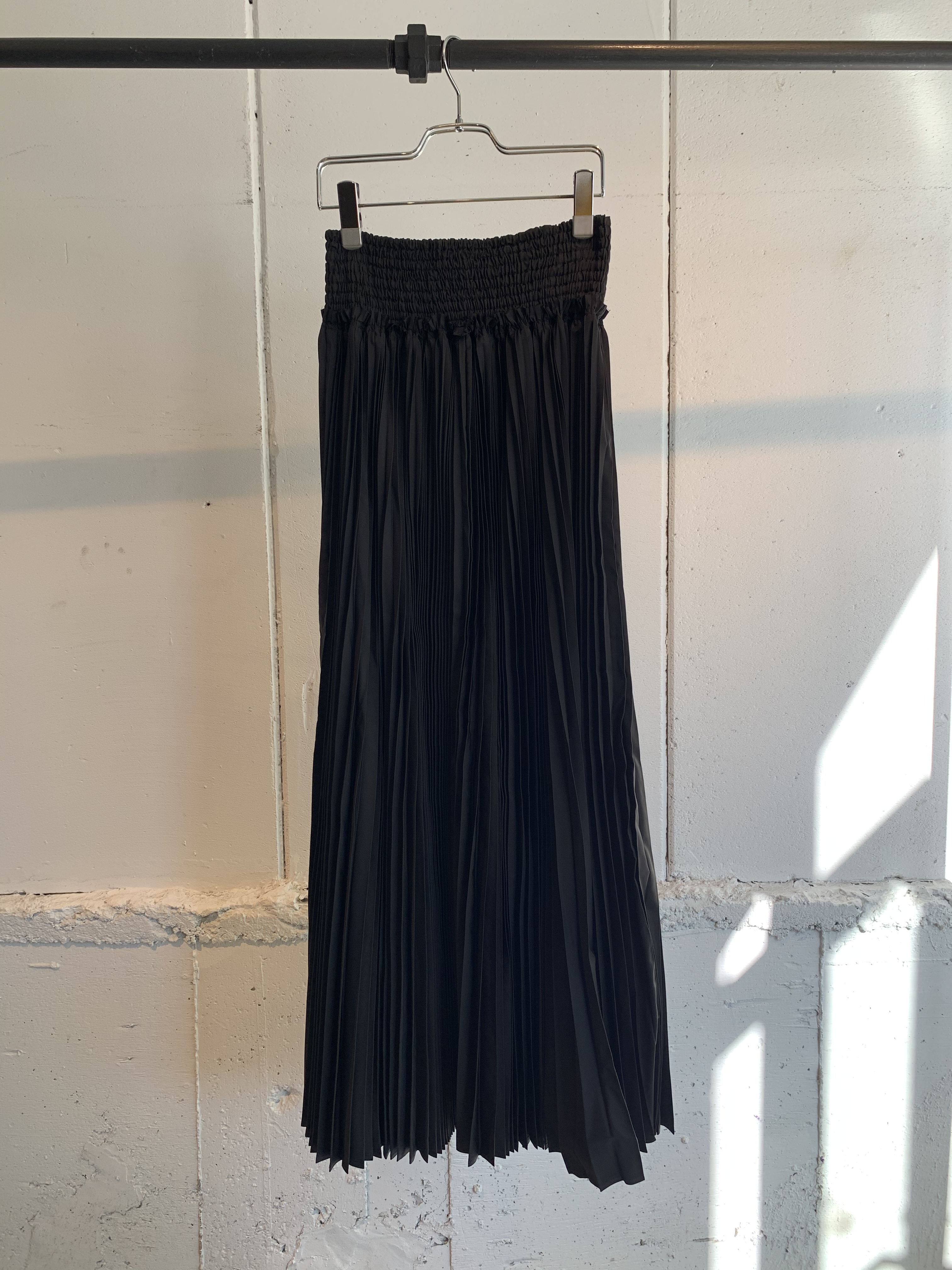 Chika kisada    pleats skirt