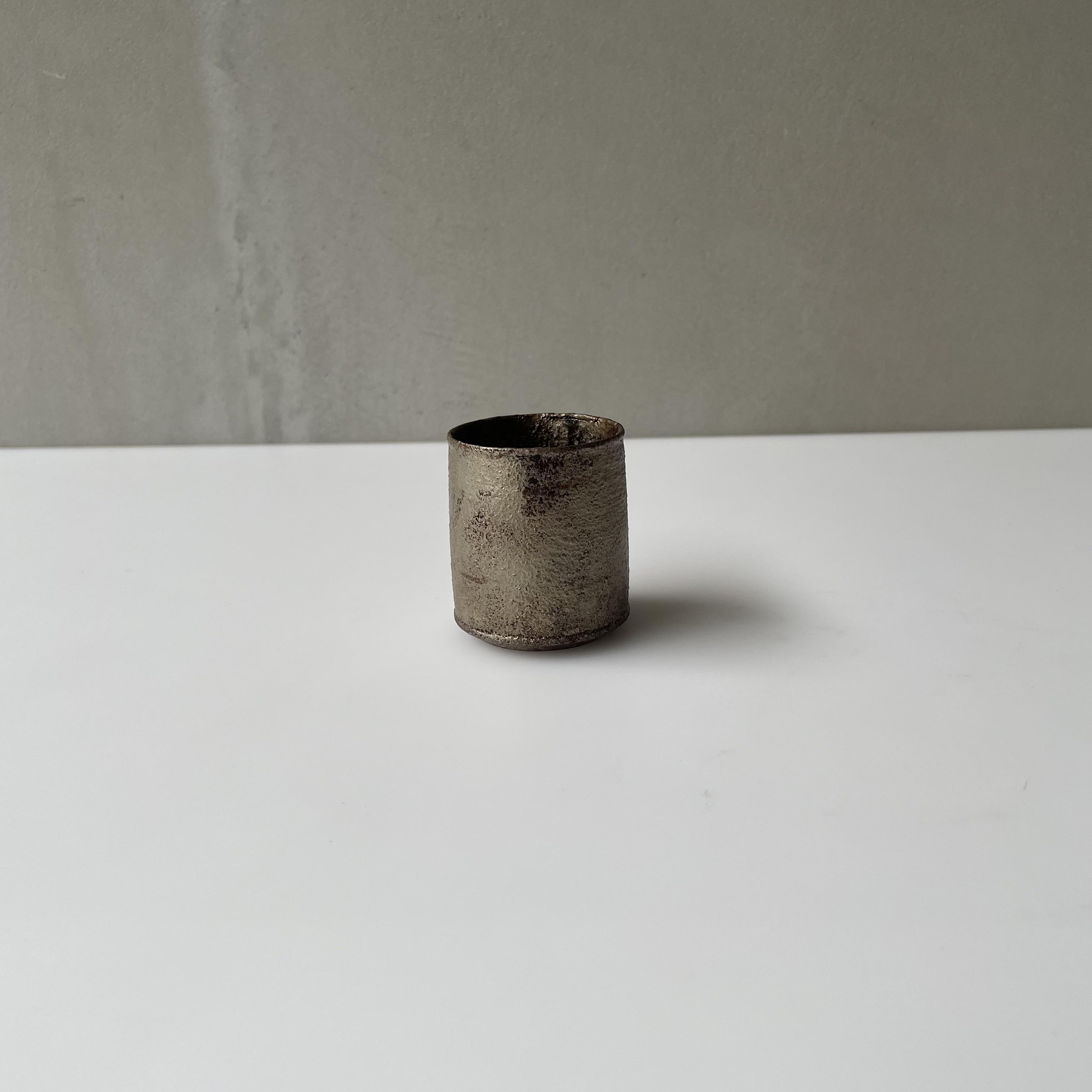 田澤祐介   筒型ぐい呑 蒔地漆 濃錫錆