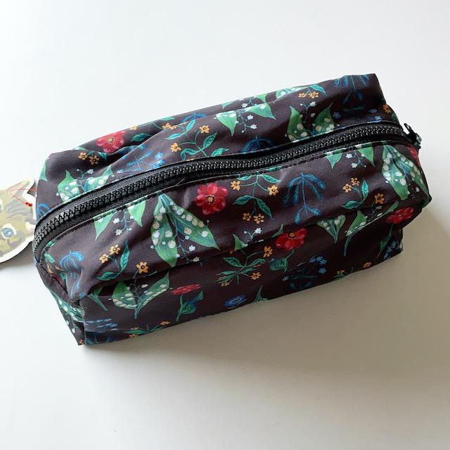 Nathalie Lete Oblong pouch Flower BK ナタリーレテ ポーチ 花柄