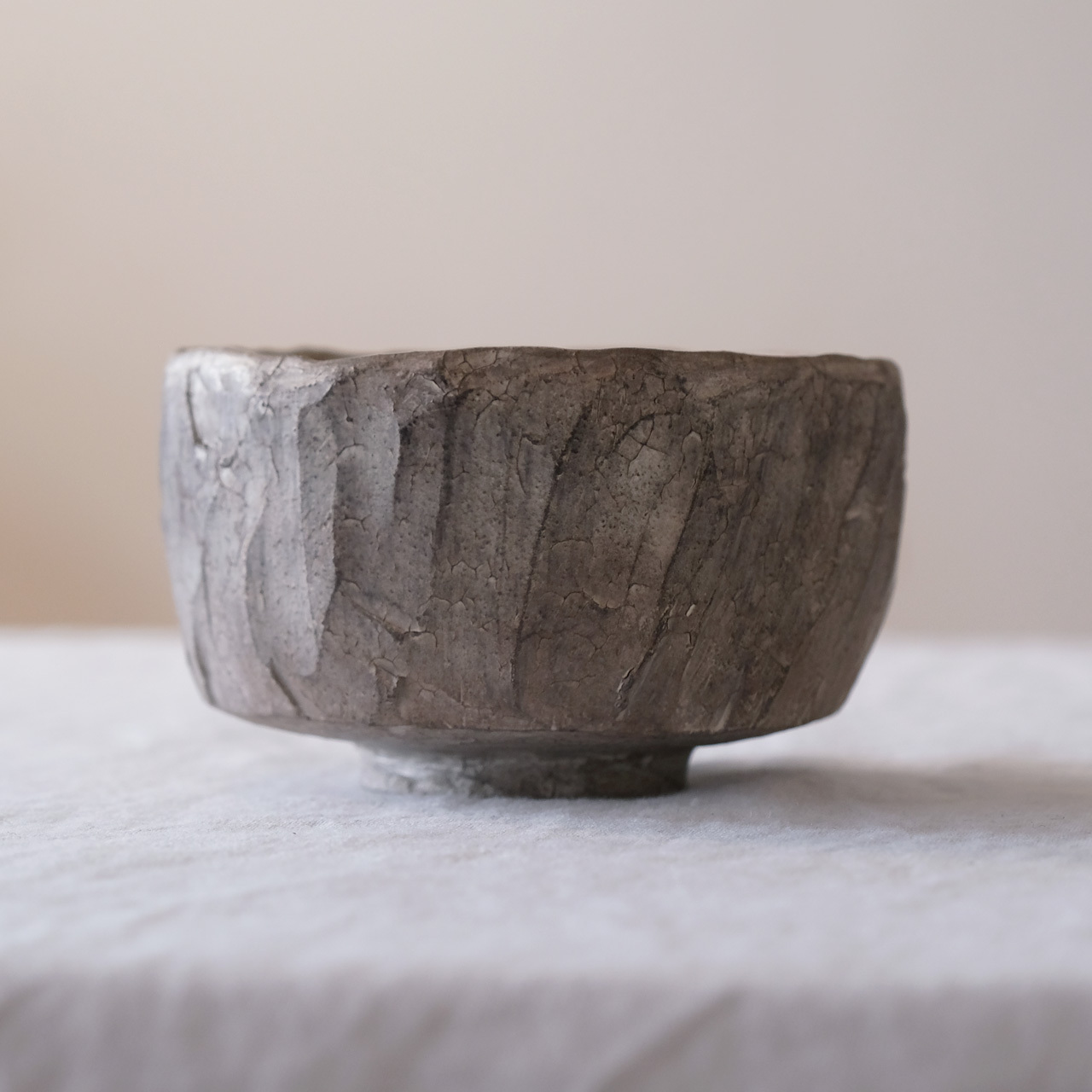 瀬川辰馬 Tatsuma Segawa   硫化銀彩 茶碗 シルバー