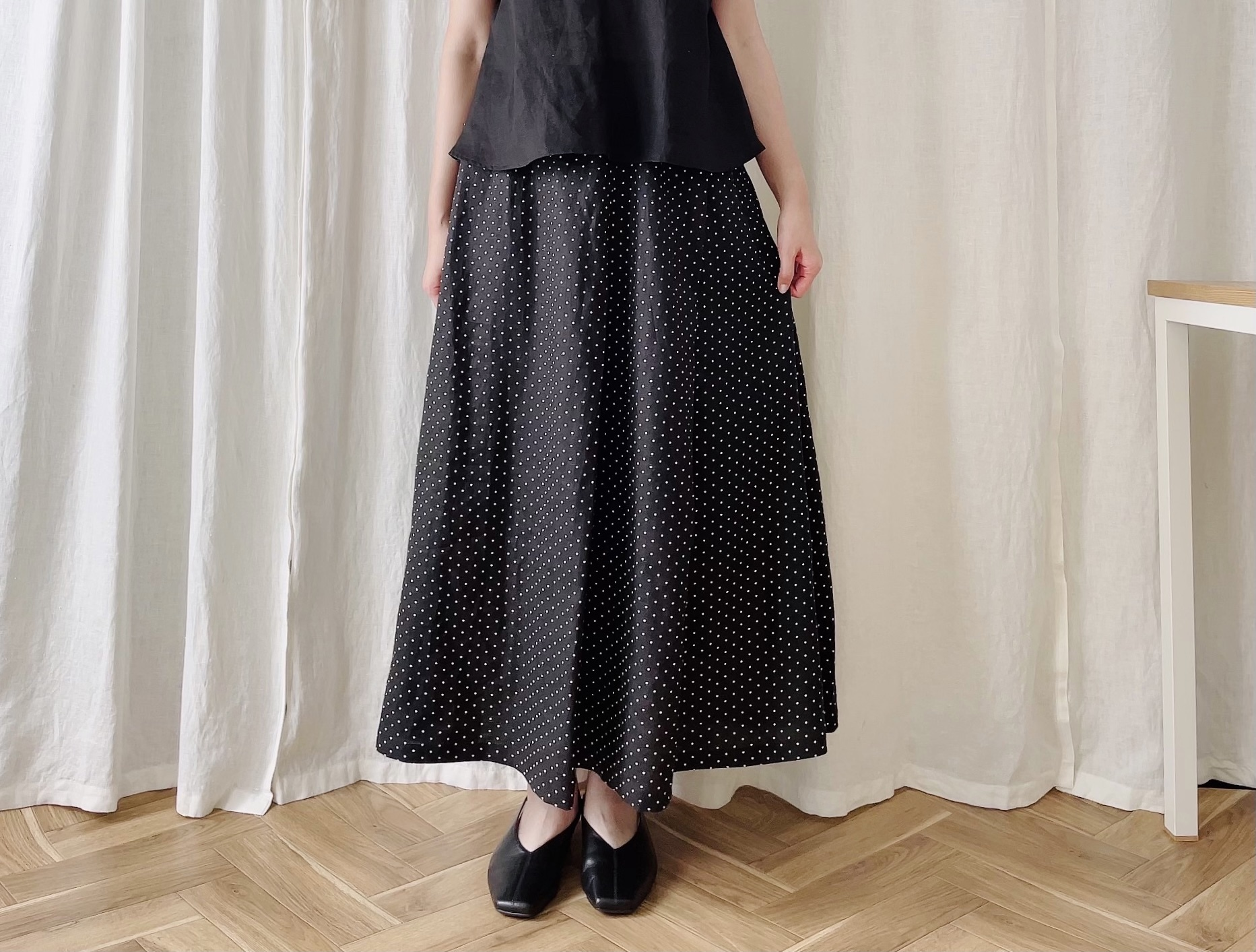 【◎特別価格】アシンメトリータックフレアーロングスカート(ドットプリント黒)リネン100%