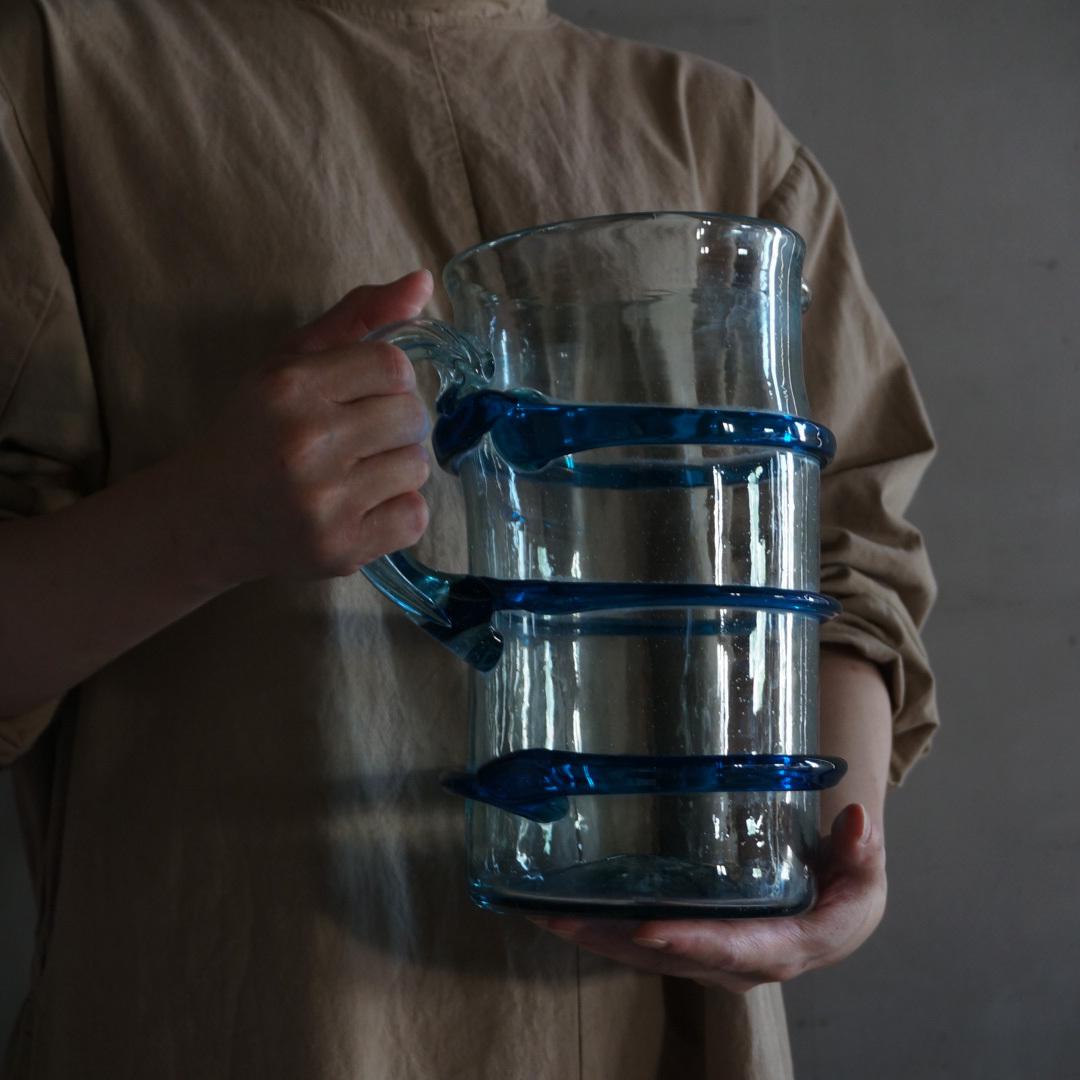 古い国産のガラスピッチャー