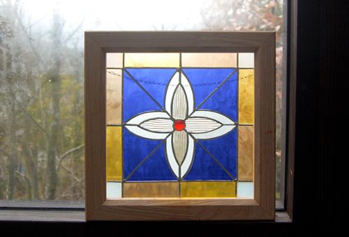 ホワイトクロス(ステングラスのアートパネル) 03050116