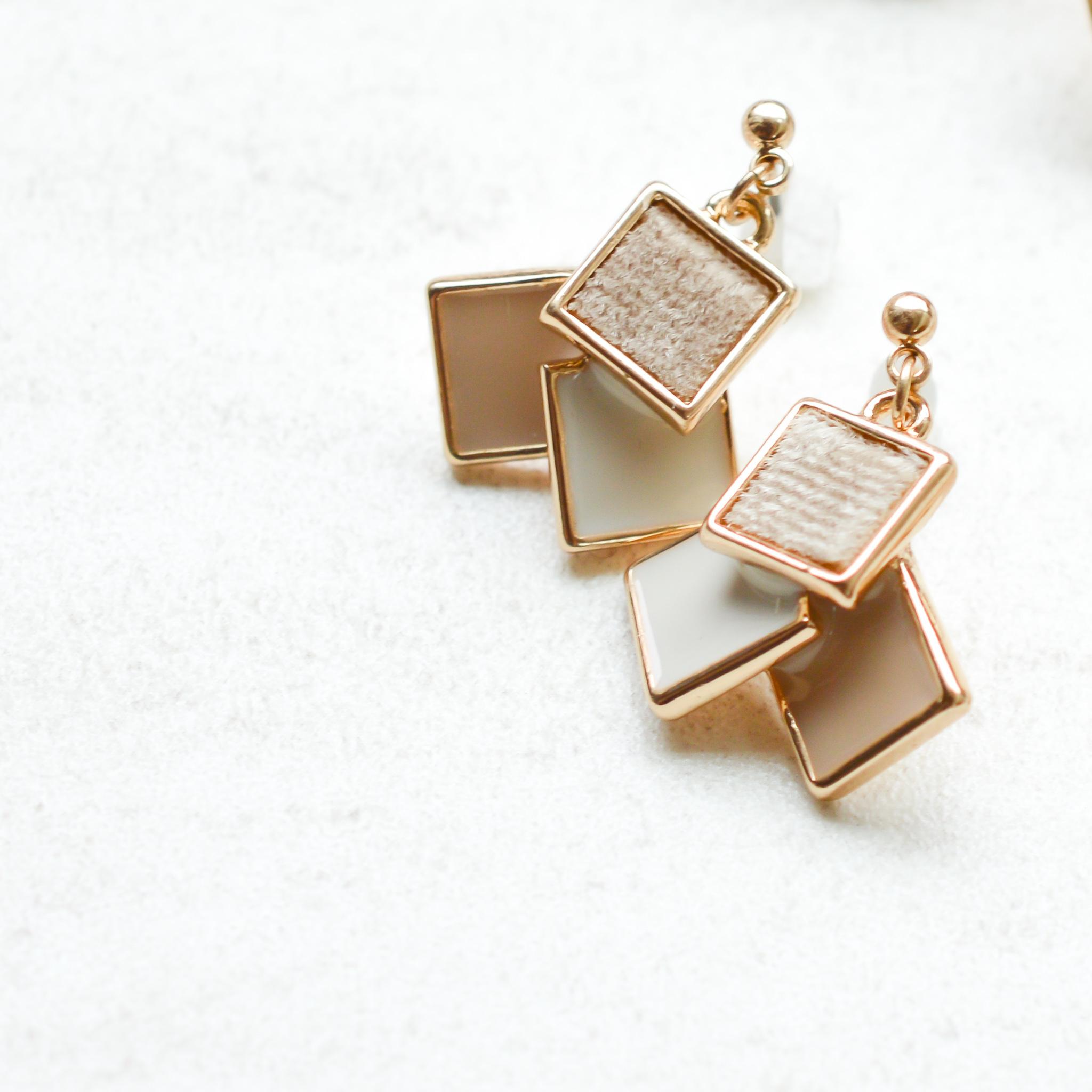 different squares pierce(イヤリング対応可)