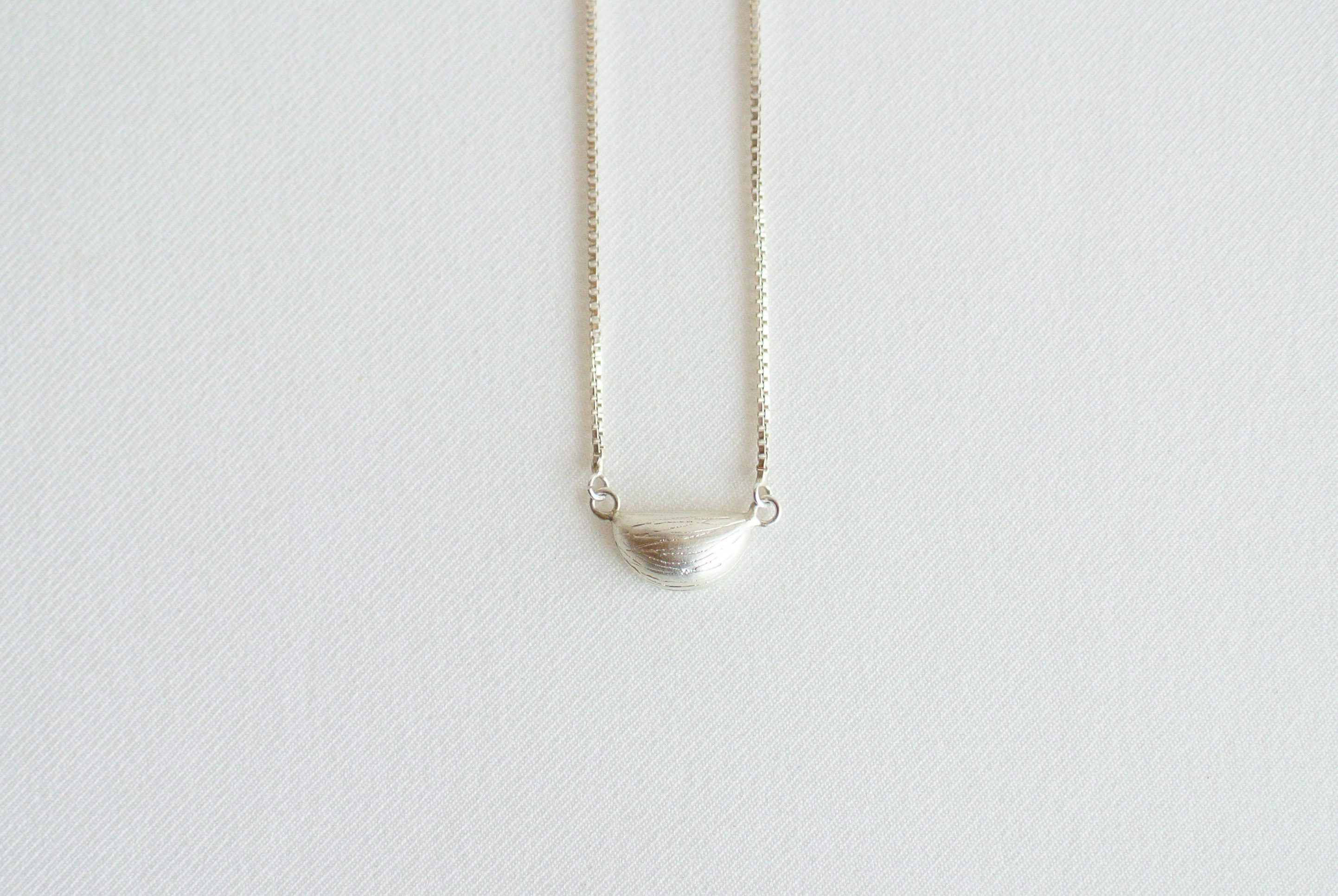 BON BON /necklace