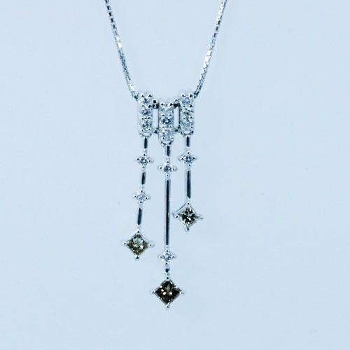 デザインダイヤモンドペンダント K18ホワイトゴールド