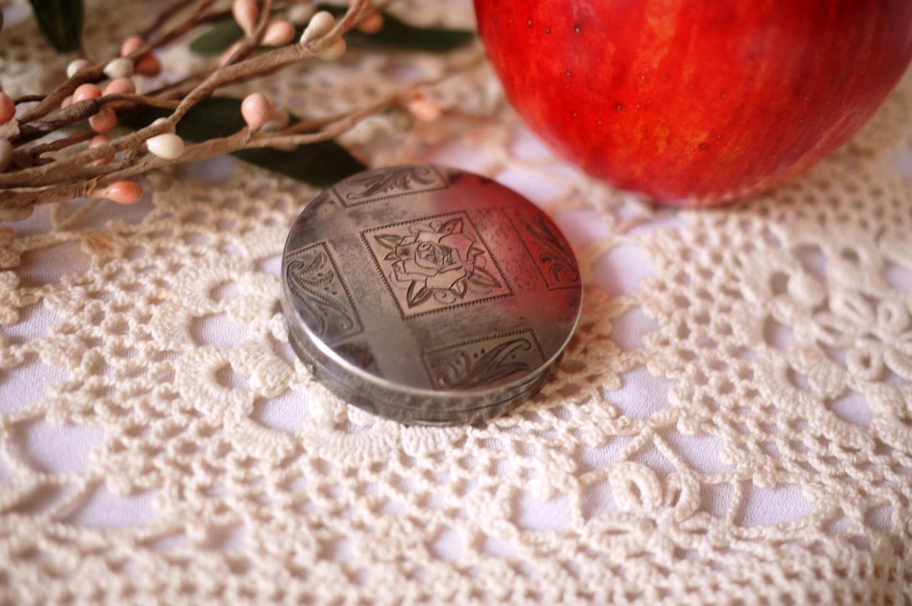 ヴィンテージ シルバーコンパクト 銀張りのコンパクト 薔薇 コレクタブル