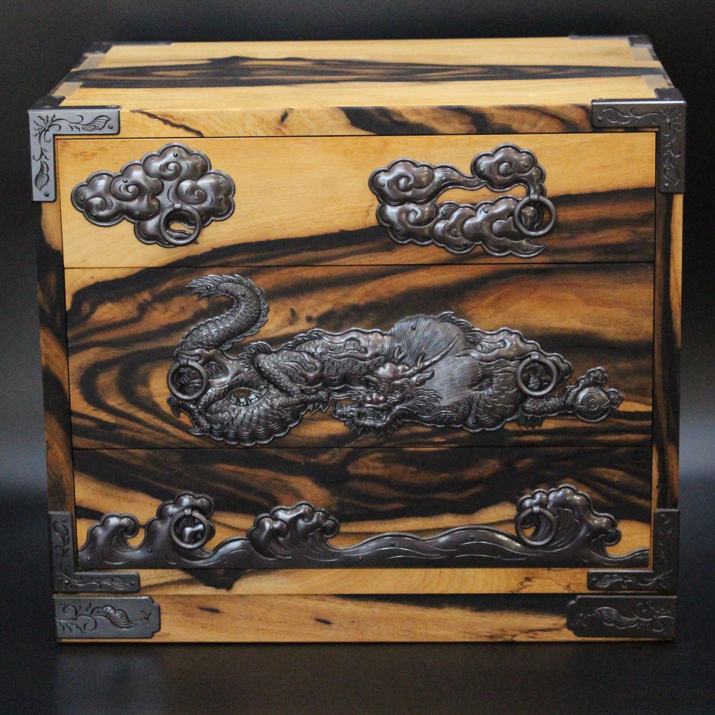 彫金工芸菊広 黒柿小箪笥