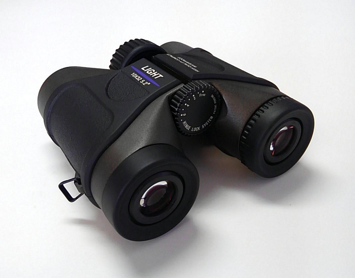 双眼鏡:10×32 5.2°〔ライト光機〕