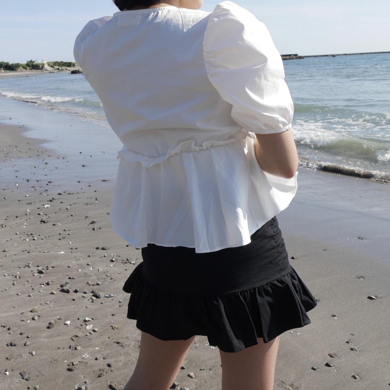 【Belle】girly flare blouse / white